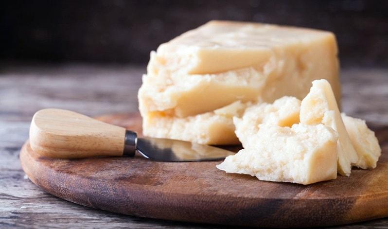 Tre falsi miti sul Parmigiano Reggiano da smontare con soddisfazione