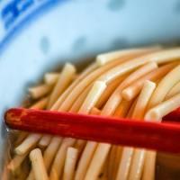 La Ravioleria Sarpi lancia i corsi per imparare a fare i lamen, gli spaghetti cinesi