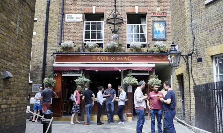 Caffè letterari Londra Lamb and Flag