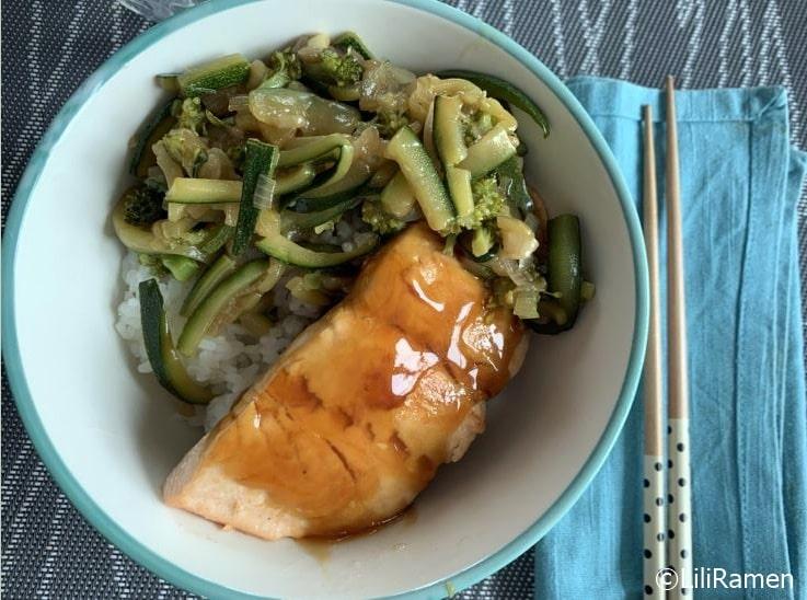 Domburi ricetta con salmone e verdure in salsa teriyaki