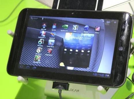 Dell Streak with Android 3.2 Honeycomb