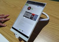 Hisense Vidaa Mirror is an Android tablet for bezel-haters