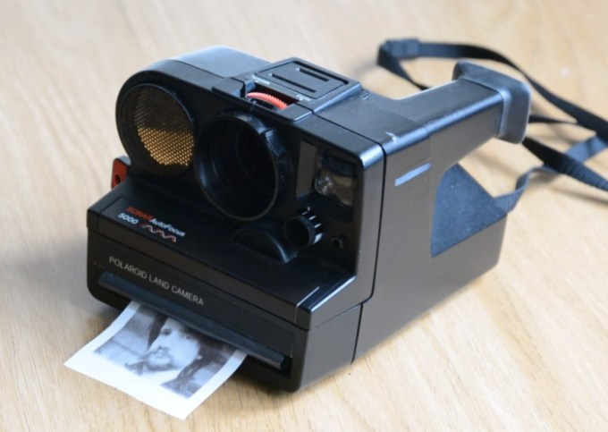 Classic Polaroid camera gutted, made modern with Raspberry