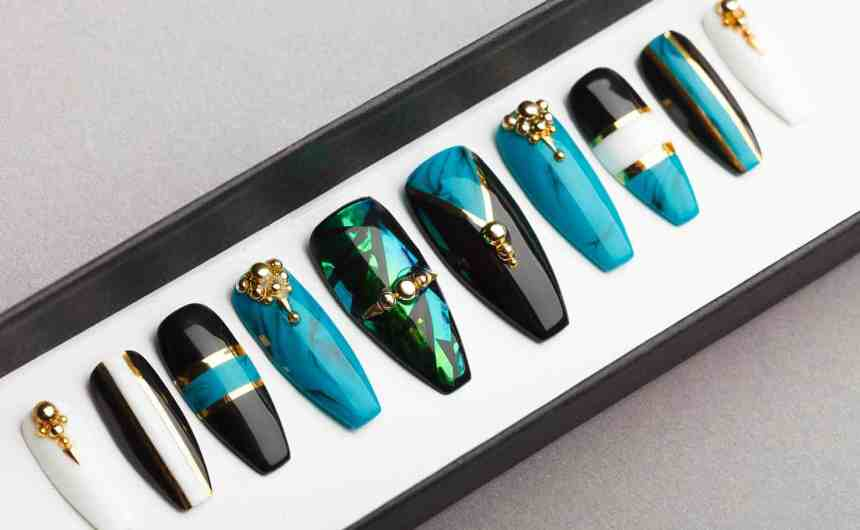 Fabulous Turquoise Press on Nails | Fake Nails | False Nails | Glue On Nails | Shattered Glass | Handpainted Nail Art