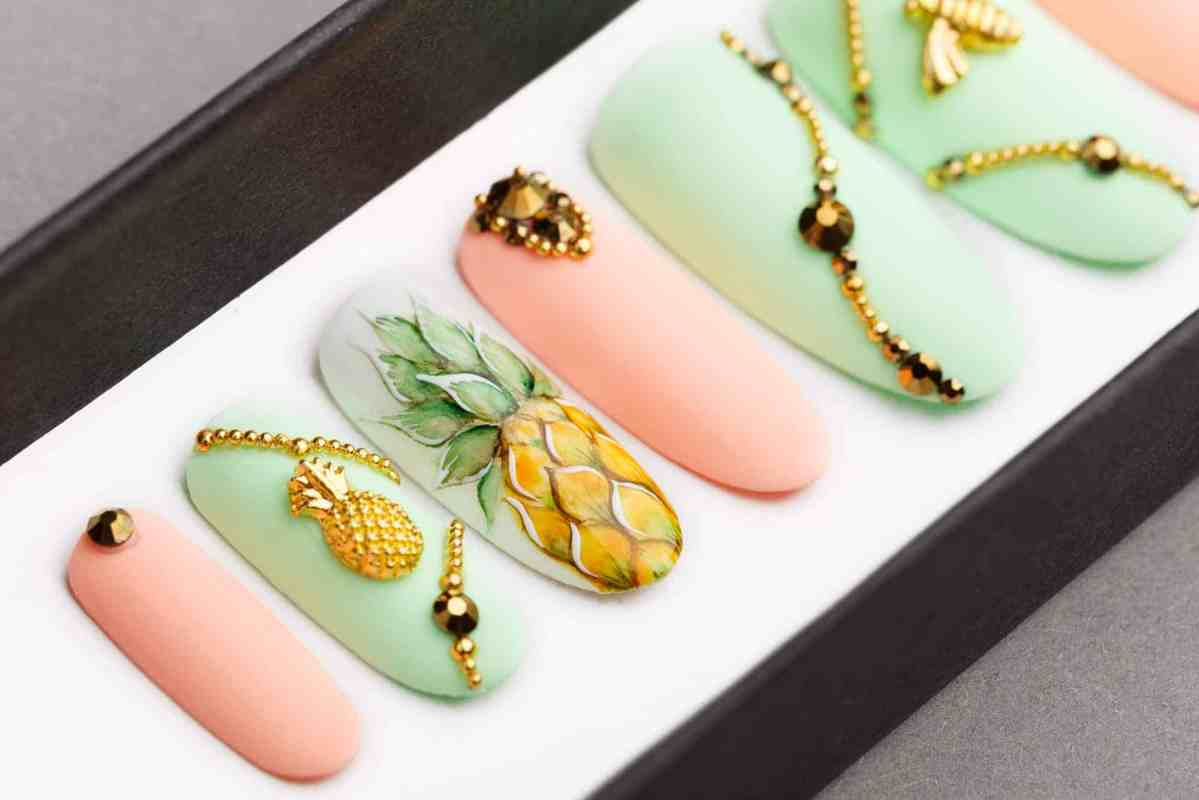 Pineapple, Bee and Tropics Press on Nails with Swarovski Crystals | Fake Nails | False Nails | Glue On Nails | Disney | Hand painted