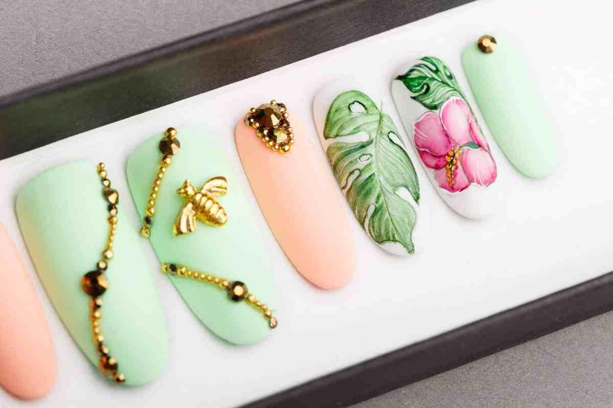 Pineapple, Bee and Tropics Press on Nails with Swarovski Crystals | Fake Nails | False Nails | Glue On Nails | Disney | Hand painted