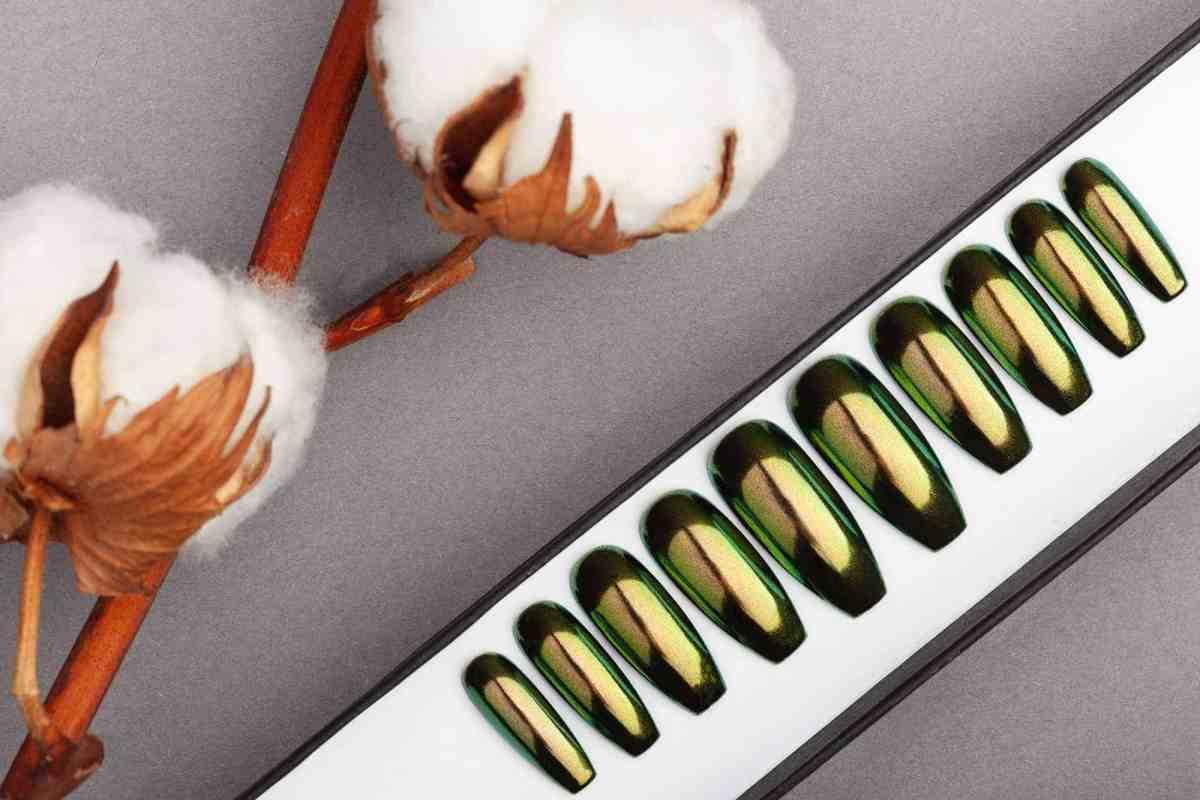Green & Gold Mirror Press on Nails | Nude Nails | Handpainted Nail Art | Fake Nails | False Nails | Unicorn Nails | Chrome nails | Manicure