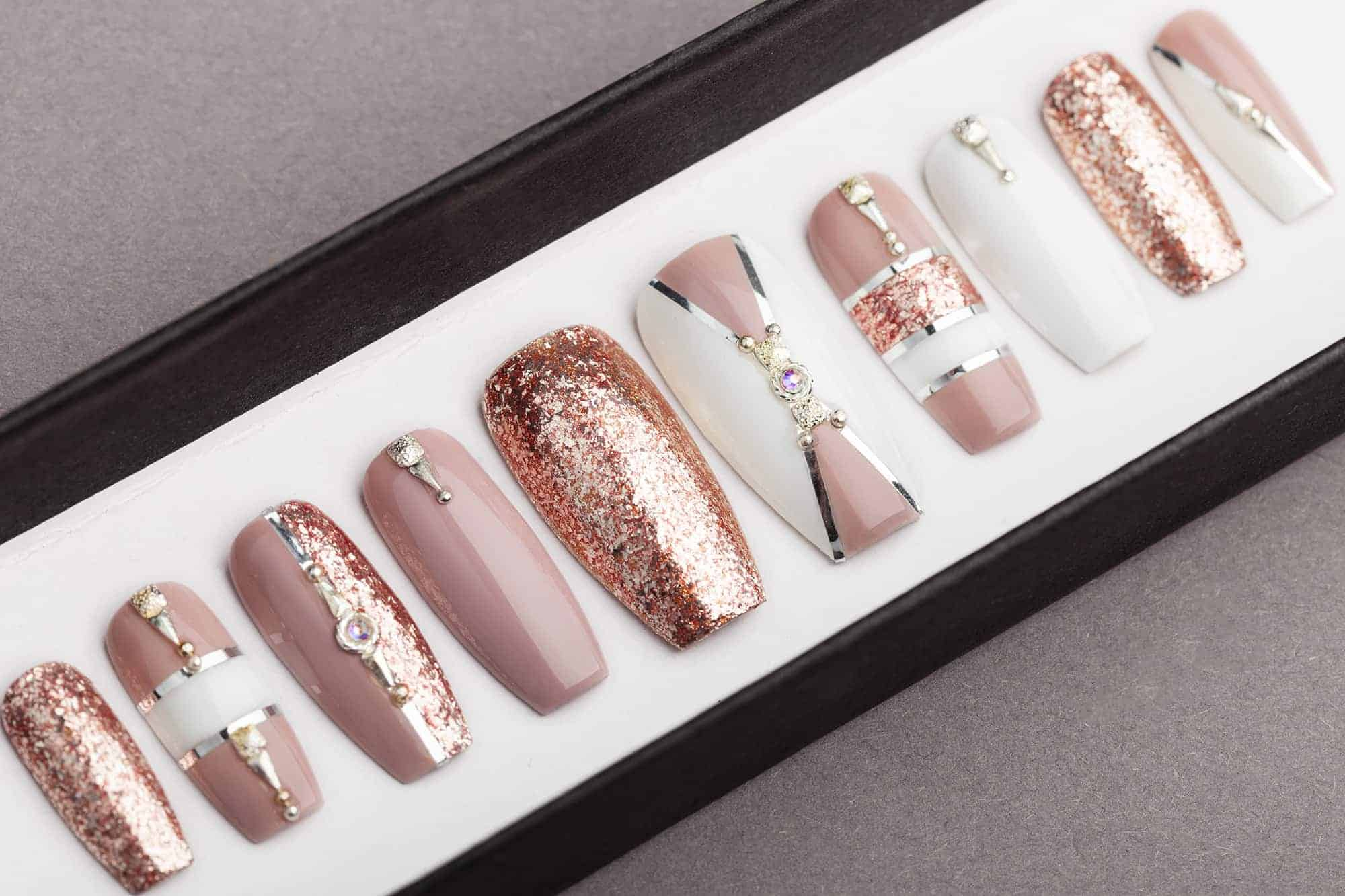 Luxury Nail Art Design: Luxury Rose Gold With White Press On Nails
