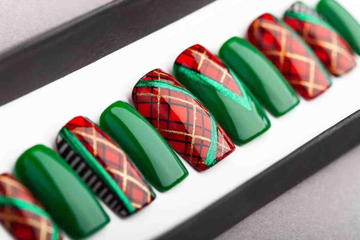 Plaid Press On Nails (Christmas Edition)   Plaid nails   Hand painted Nail Art   Fake Nails   False Nails