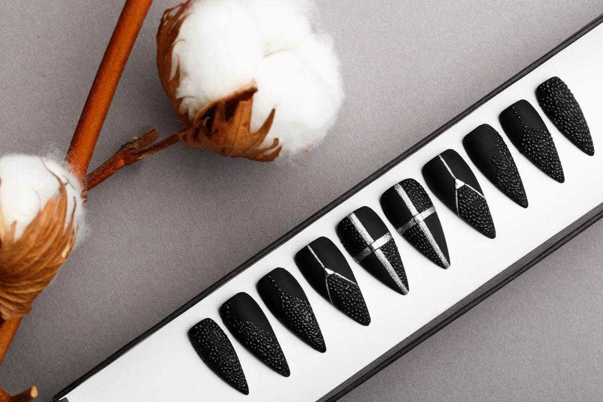 Black Drops Press on Nails | Black Nails | Handpainted Nail Art | Fake Nails | False Nails | Mattee Nails