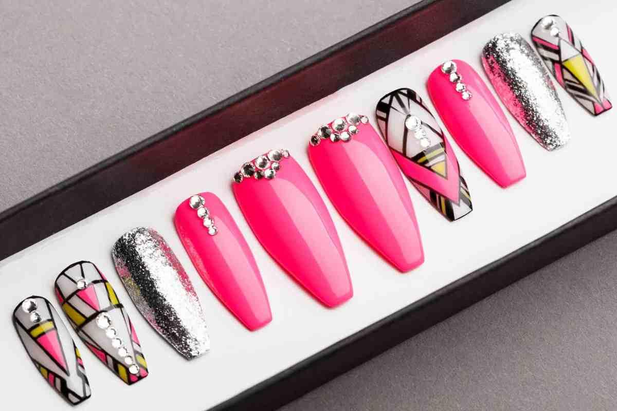 Pink Abstraction Press on Nails | Hand painted Nail Art | Fake Nails | False Nails | Artificial Nails | Glitters