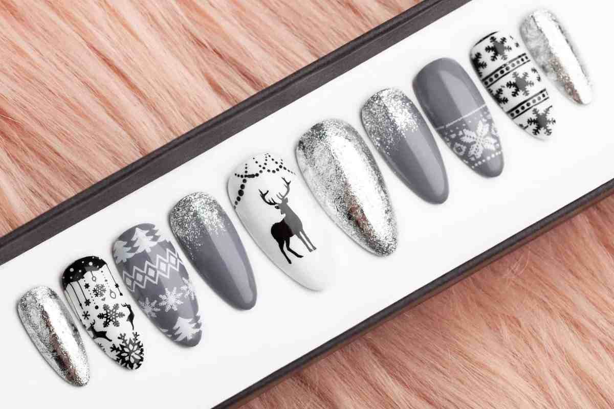 press on nails for Christmas