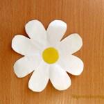 Детская поделка «Цветок»