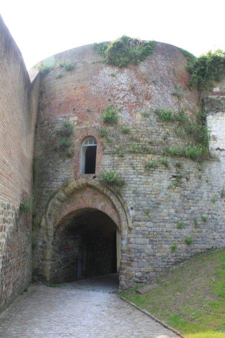 Porte tour de la reine Berthe
