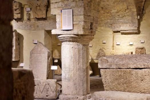 【義大利阿西西景點】Foro Romano羅馬廣場博物館,雅典娜神廟下的古羅馬遺跡