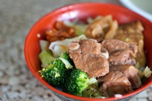 嘉義市美食|阿亮Q排古早味小排飯,在地人推薦有媽媽味道的巷弄小吃