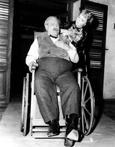 Duel in The Sun, (behind the scenes) Lionel Barrymore, Lillian Gish, on Set, 1946
