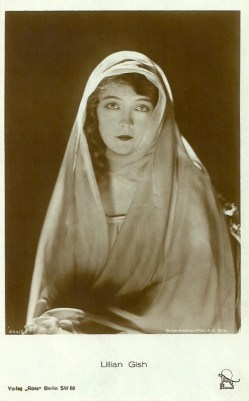 German postcard. Ross Verlag No. 8442. British-American Film A.-G. (Bafag), Berlin. Lillian Gish in the film The White Sister (Henry King 1923), shot in Italy.