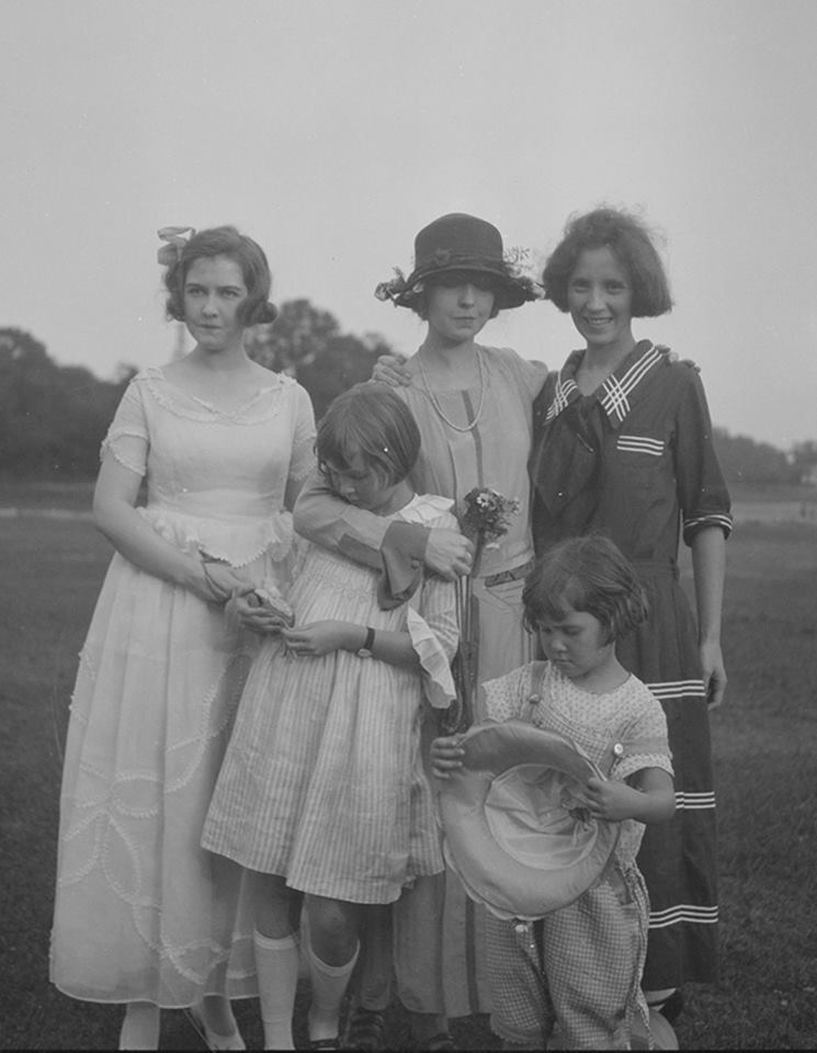Nell Dorr with Win, Barby and Lillian and Dorothy Gish 1920 by Nell Dorr