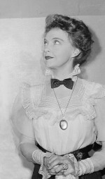 lillian-gish-los-angeles-usa-Feb 14 1945 B