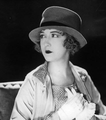 circa 1922: Famous American silent star Dorothy Gish (1898 - 1968). (Photo by Hulton Archive/Getty Images)