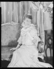 Laura Gilpin (1891-1979); Gish, Camille [Miss Gish]; 1917-1950s; Nitrate negative; Amon Carter Museum of American Art; Fort Worth Texas; P1979.240.71