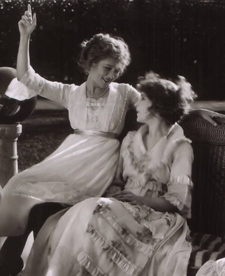 Mary Pickford and Lillian Gish