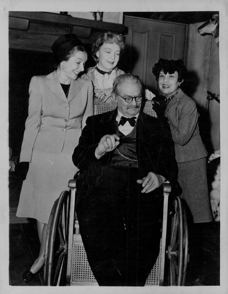1945 Lionel Barrymore Lillian Gish Helen Hayes and Anita Loos Press Photo - Duel in The Sun