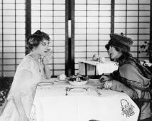 Lillian Gish and Mary Pickford