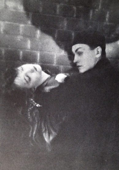 """Lillian Gish and Richard Barthelmess in """"Broken Blossoms"""" (Lucy Burrows and Cheng Huan """"Chinky"""")"""