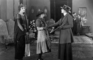 """Way Down East"" - Lillian Gish and the eccentric aunt"