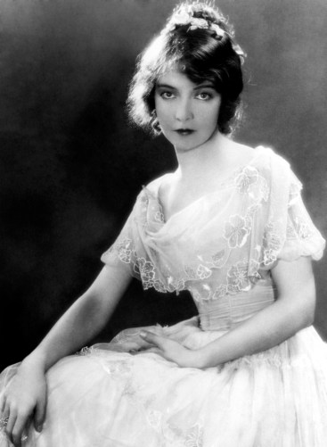 Lillian Gish - promotional The Wind