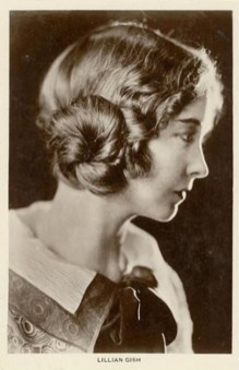 Lillian Gish profile cca 1919