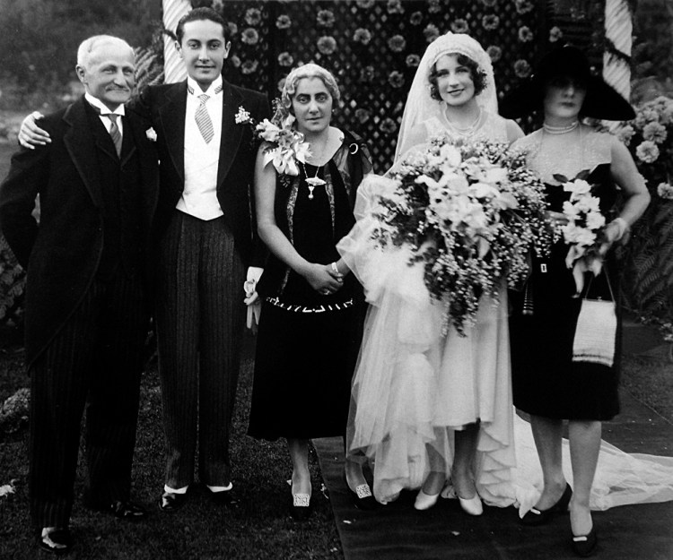 Wedding_of_Irving_Thalberg_and_Norma_Shearer.jpg