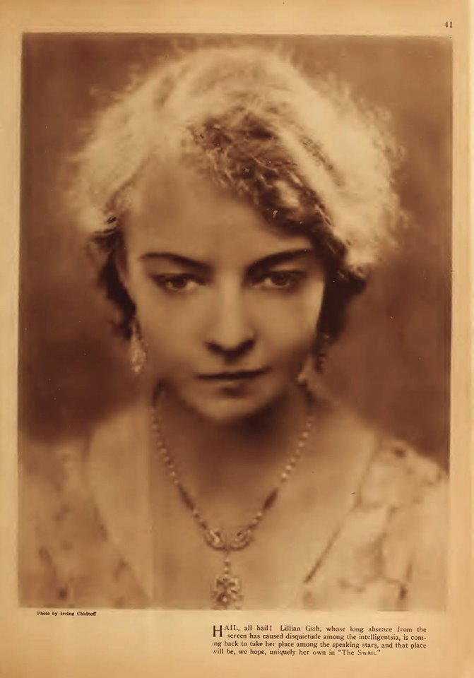 Picture Play Magazine (Jan 1930) Lillian Gish in The Swan Photo - Irving Chidnoff