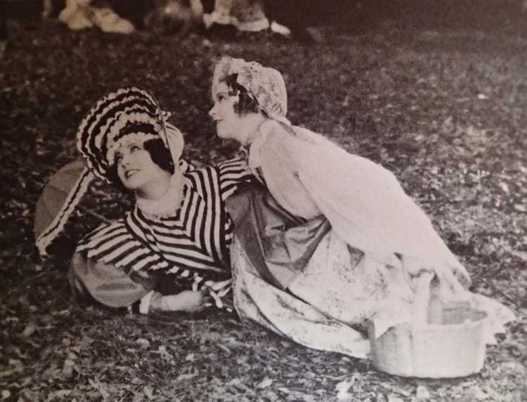 Renee Adoree and Lillian Gish in La Boheme (Musette and Mimi)