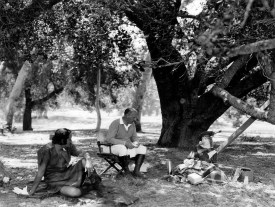 Norman Kerry, John Robertson and Lillian Gish on set - Annie Laurie
