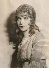 Lillian Gish Master for Way Down East cover, here in ROMOLA (photo 1925) detail
