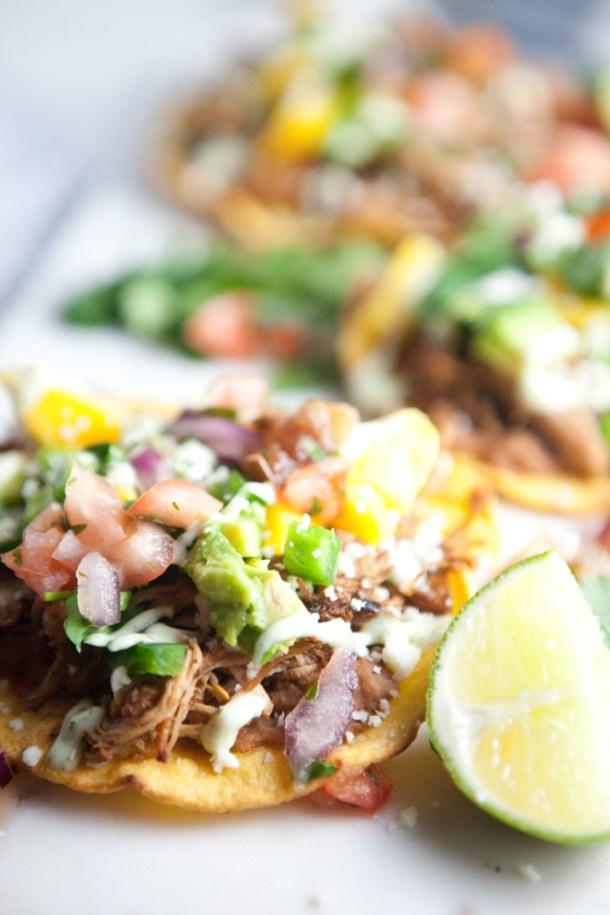 Salsa Verde Carnitas on Tostadas- macro friendly and so delicious! www.lillieeatsandtells.com