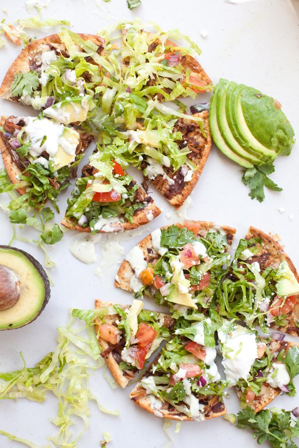 Low Carb Carnitas Tostada Pizzas www.lillieeatsandtells.com#macrofriendly #macrofriendlyrecipes #iifym #weightwatchersrecipes #cookinglight