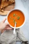quick and easy tomato soup. www.lillieeatsandtells.com