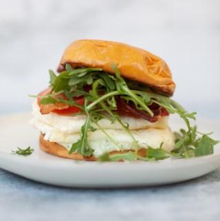 www.lillieeatsandtells.com recipe for Tuscan egg white breakfast sandwich