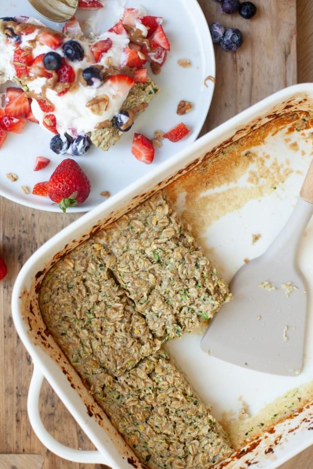 macro friendly treat snickerdoodle zucchini baked oats recipe by www.lillieeatsandtells.com