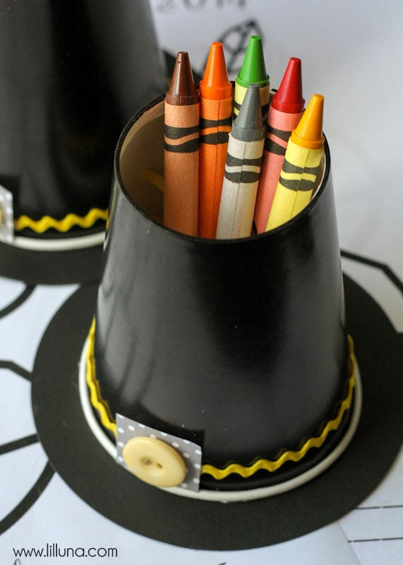 Pilgrim Hat Crayon Cups With Printable Thanksgiving