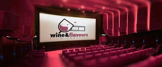 fullsize-beber-vinho-enquanto-ve-filmes-580