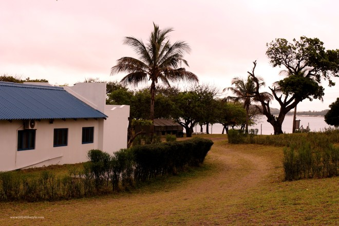 dove dormire a bordo lago balene mozambico