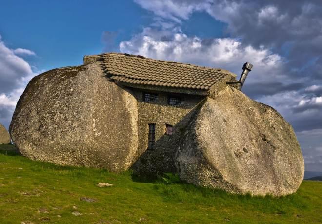 casa nella pietra portogallo