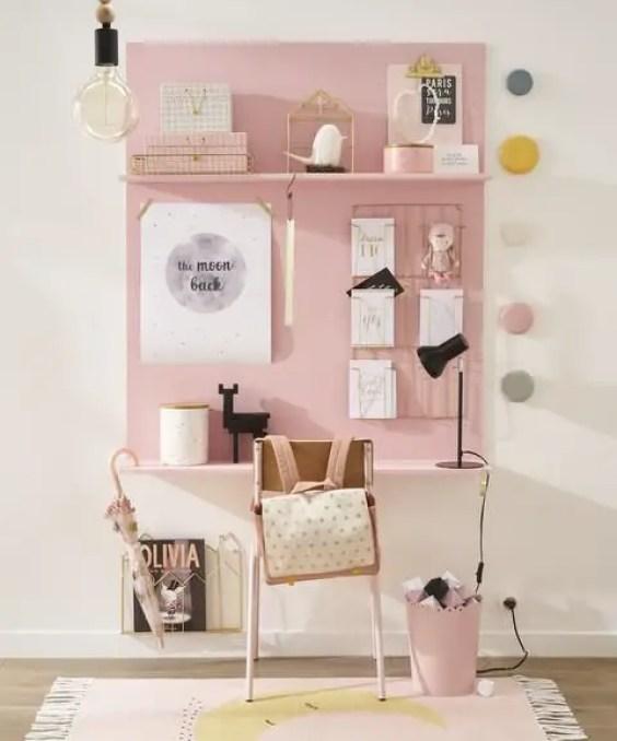 bureau-rose-original-chambre-enfant