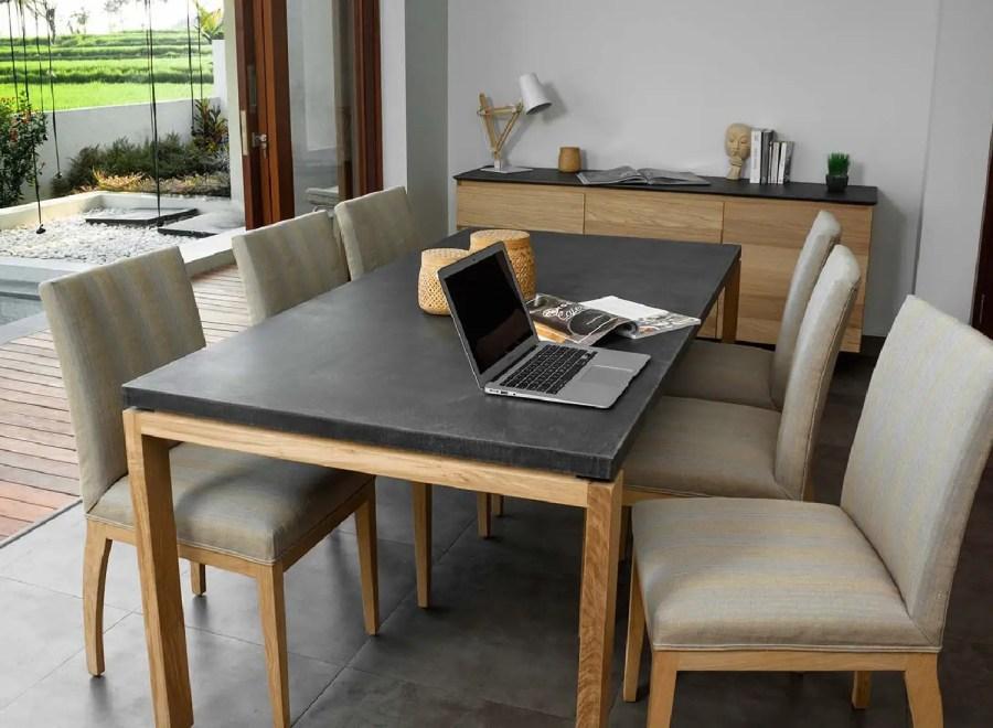 Table en béton ciré noir
