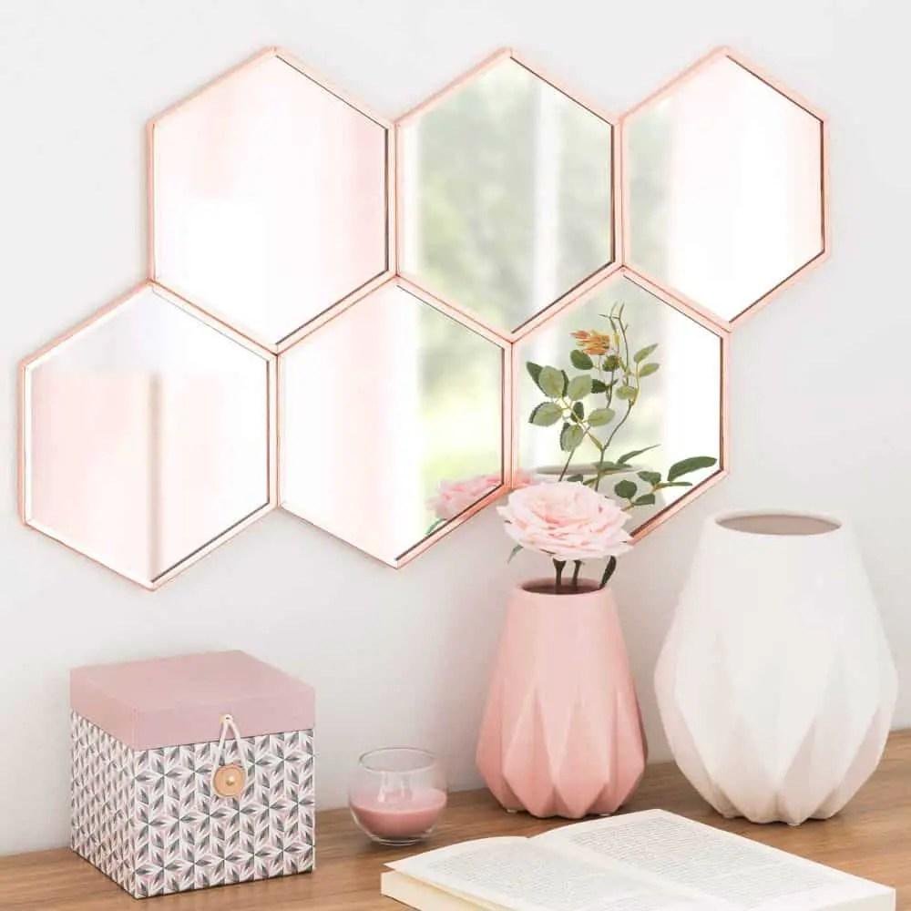 décoration pastelle rose et blanche